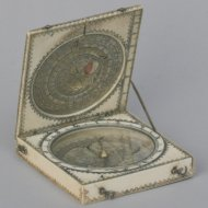 Ivory 'Bloud'-type diptych sundial. Signed : 'Jacques Senecal a Dieppe Fecit'. ca. 1660